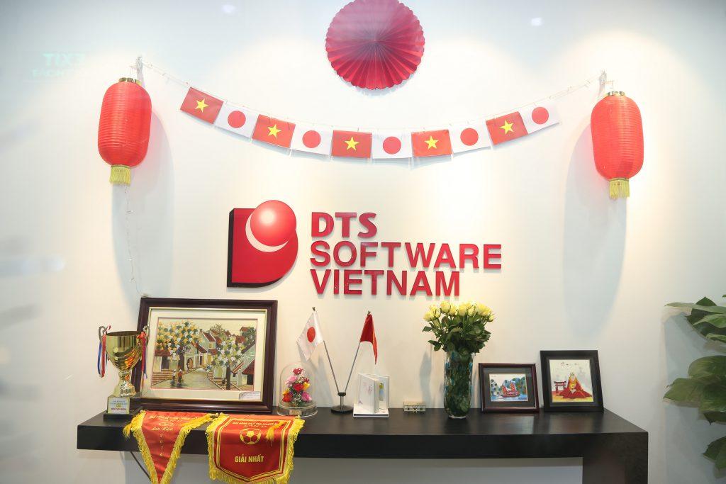 Đón nhà mới của DTS Việt Nam